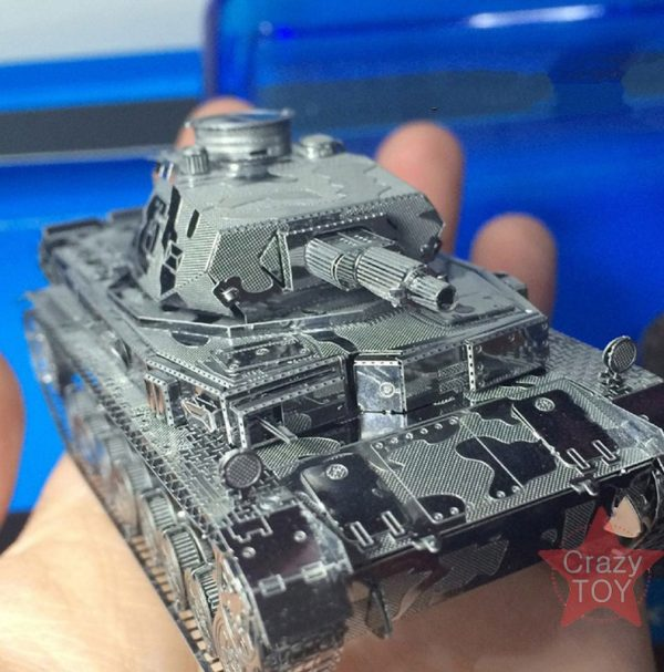 Piececool German IV Tank